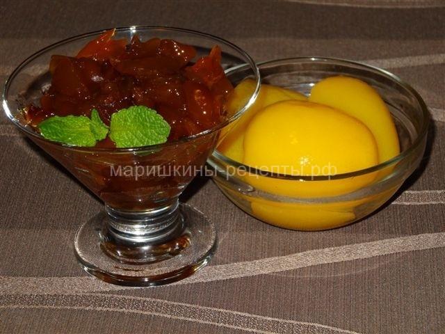 Варенье из персиков с веточкой мяты