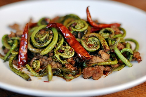 как приготовить салат с папоротником