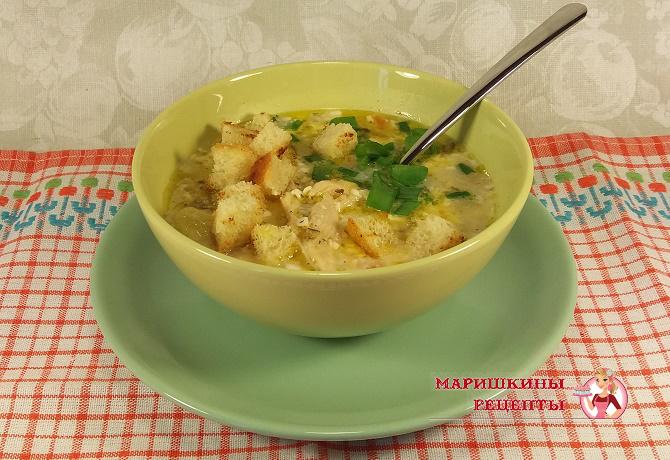 Суп с плавленным сырком на курином бульоне