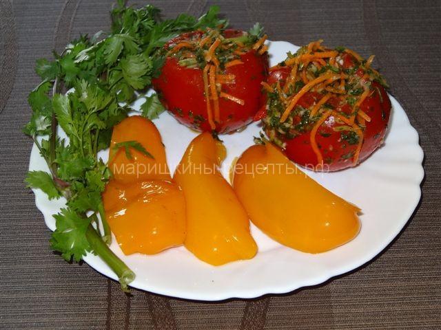 Маринованные помидоры с чесноком домашнему