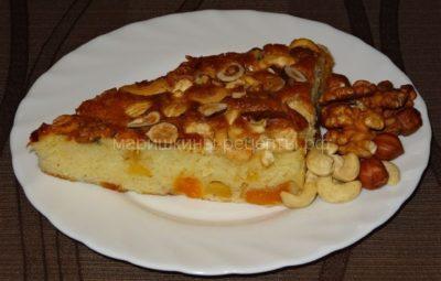 Простой сметанный пирог с орехами