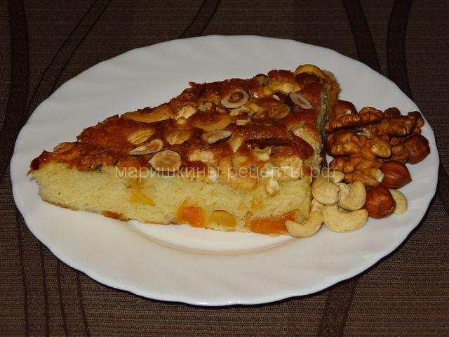 Простой сметанный пирог с орехами совсем несложно приготовить