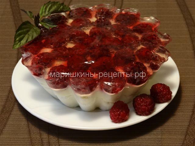 Малиновый творожный торт без выпечки с желатином