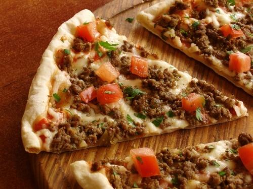 Пицца с фаршем говяжьим