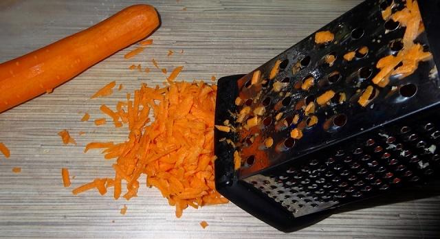 Моченые яблоки с капустой и морковью