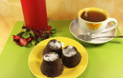 Шоколадный кекс в микроволновке в силиконовых формочках