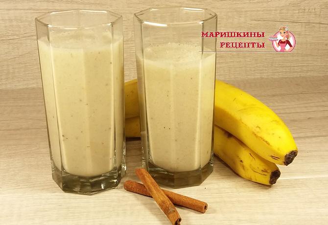 Банановый смузи на миндальном молоке с киви